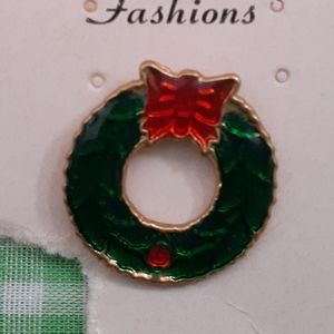 Vintage Wreath Pin for Christmas